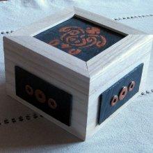 boîte en bois tortue émaillée style tribal émaillée sur ardoise