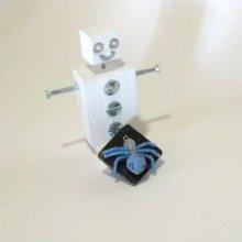 Broche Araignée en Perles Bleues sur ardoise pour Femme, création unique