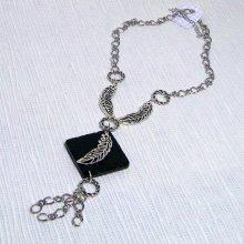 collier pendentif feuille argenté et ardoise style rock