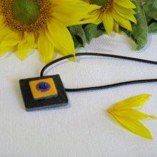 pendentif  ardoise émaillée sur cordon cuir noir, création artisanale
