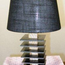Petite lampe ardoise et bois abat jour noir
