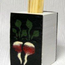 pot pour cure dents en bois et ardoise motif radis émaillés