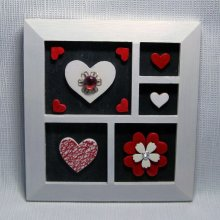 tableau pèle-mêle coeurs blanc rouge sur ardoise