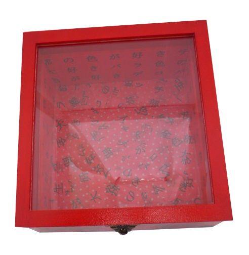 Boite en bois inclinée et son couvercle en verre. Model : dragon rouge