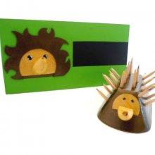 Set de rentrée scolaire  en Bois model: Hérisson (Pot a crayon et Porte manteau mural a une patère)