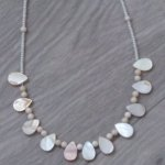 Collier  perles nacre blanches 584
