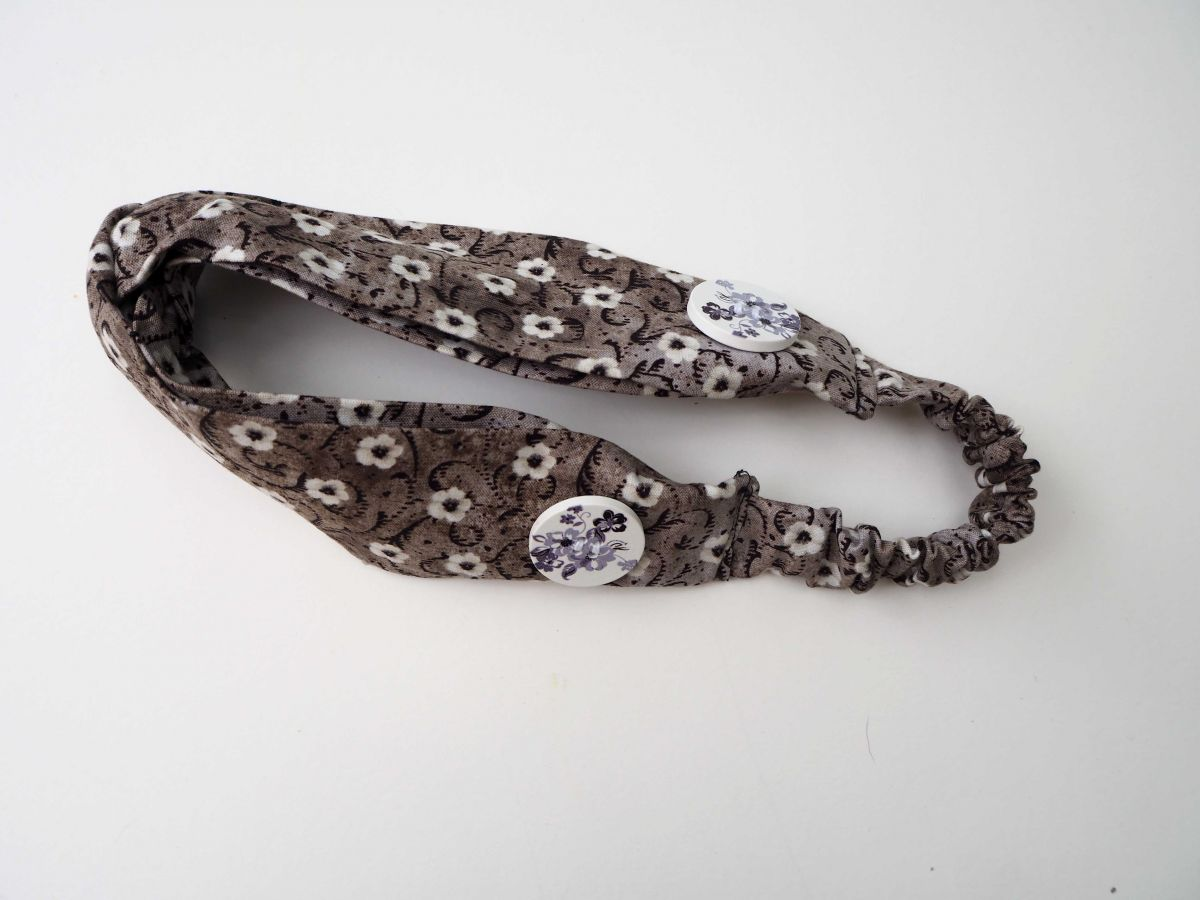 Bandeau coton noué, lavable, gris/noir avec fleurs, élastique au dos, 26cm non étiré