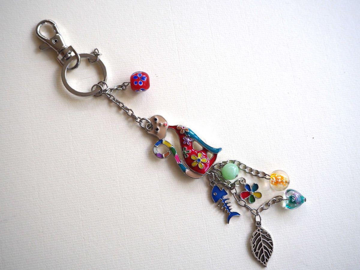 Bijou de sac, 20cm,chat émaillé multicolore, perles verre, breloques argentées
