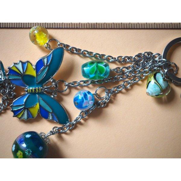 Bijou de sac, 20cm,papillon émaillé vert-jaune, perles verre, breloques argentées
