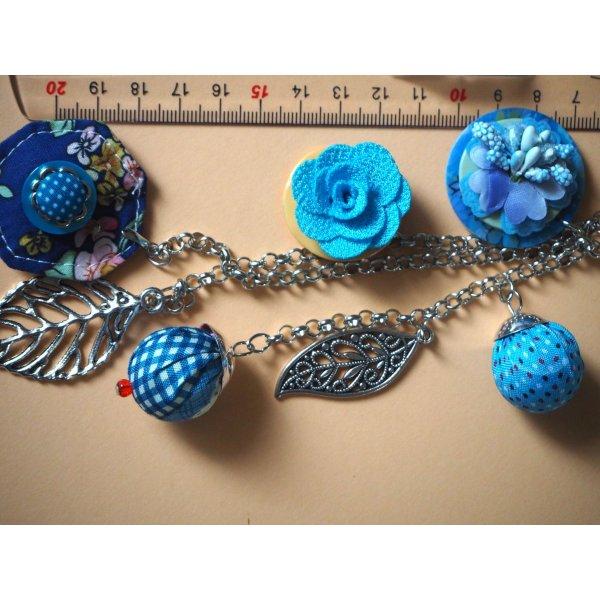 Bijou de sac, 21cm, breloques en tissu et métal , tons bleus