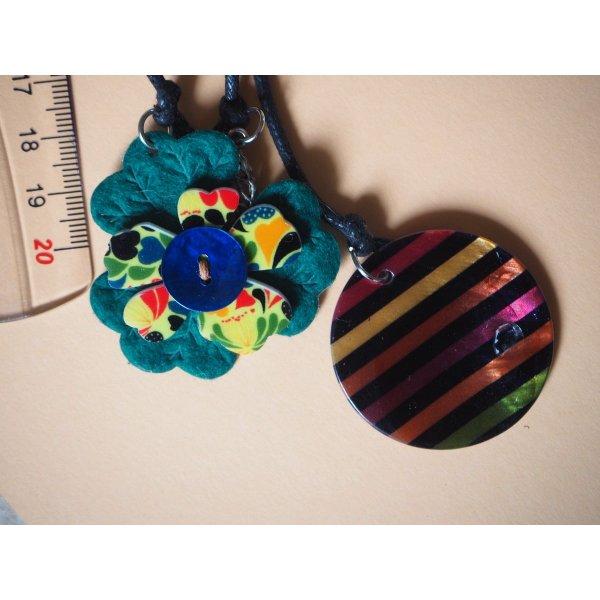 Bijou de sac 22cm perles montées sur fil coton: nacre, tissu, howlite, breloque argentée