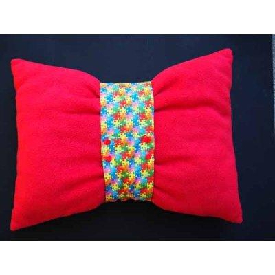 Gros bonbon coussin, tissu motif  puzzlz vert/bleu/jaune , bande amovible , 50x40cm