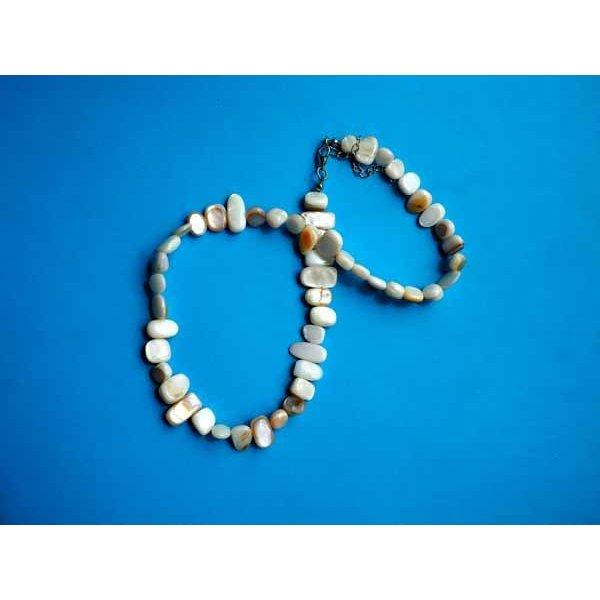 Collier simple nacre, écru, ras du cou, 42cm, nacre irrégulière rectangle de 6 à  12mm