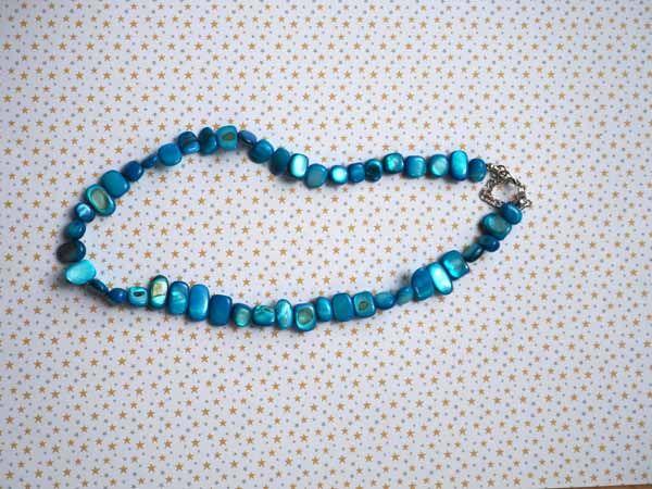 Collier simple nacre, turquoise, ras du cou, 42cm, nacre irrégulière rectangle de 6 à  12mm