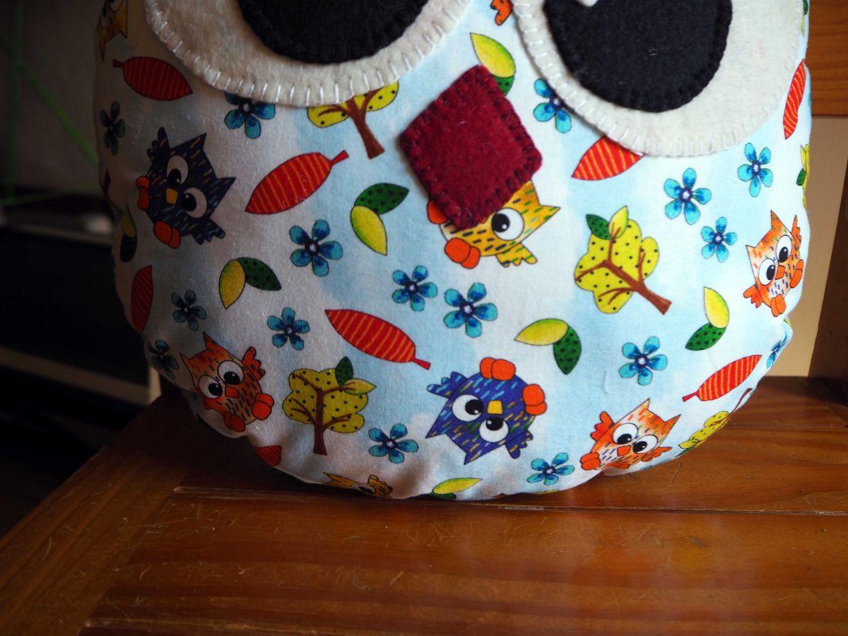 Coussin chouette/hibou, 34x28cm, tissu coton blanc avec petites chouettes rigolotes
