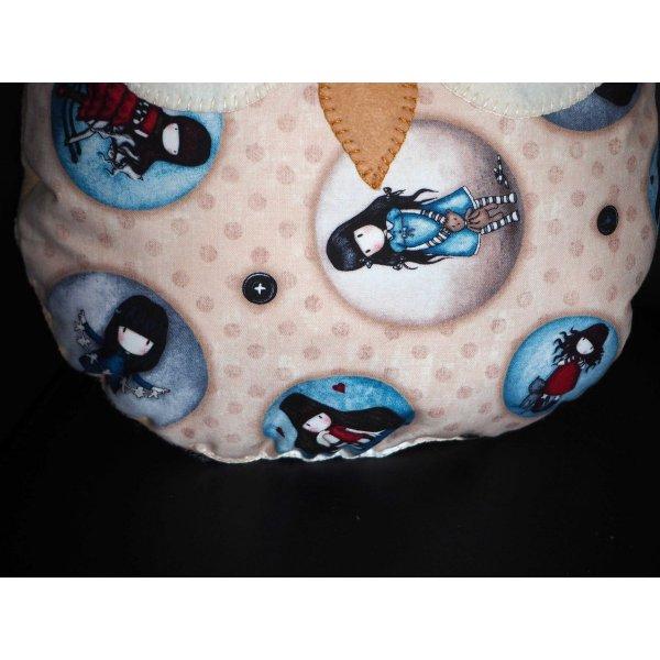 Coussin chouette/hibou, 34x28cm, tissu coton écru avec médaillons de petites filles