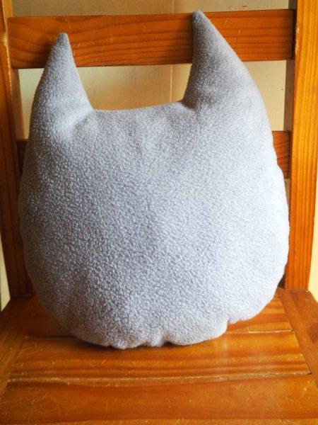 Coussin chouette/hibou, 34x28cm, tissu coton blanc avec de petits hiboux gris