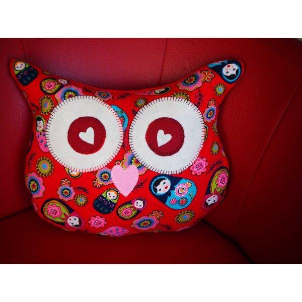 Coussin chouette/hibou, 38x32cm, tissu rouge avec des poupées russes cadeau pour maman et petite fille