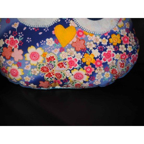 Coussin chouette/hibou, 38x32cm, tissubleu clair fleuri, brodé main Saint-Valentin
