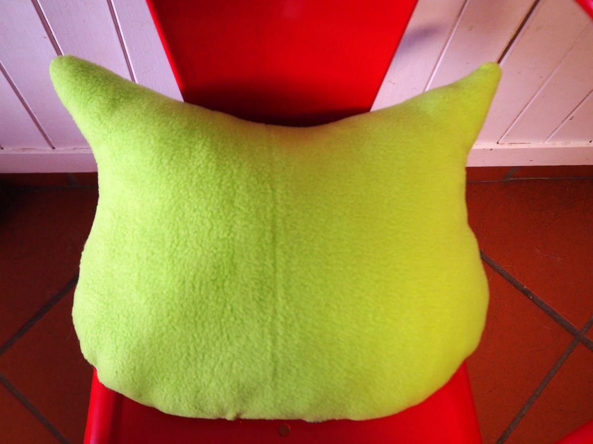Coussin chouette/hibou, 38x32cm, tissu coton rayé tons bleu violet petites fleus, brodé main