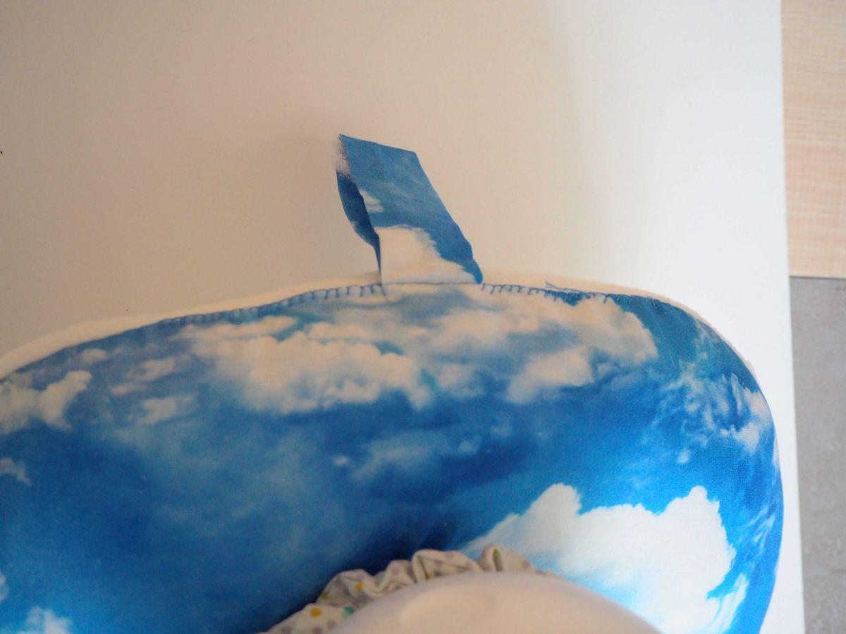 Coussin de nuque, de repos, tour de cou, la tête dans les nuages, impression numérique