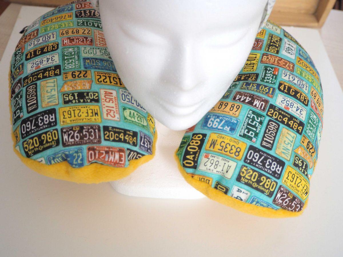 Coussin de nuque, de repos, tour de cou,  turquoise/plaques minéralogiques