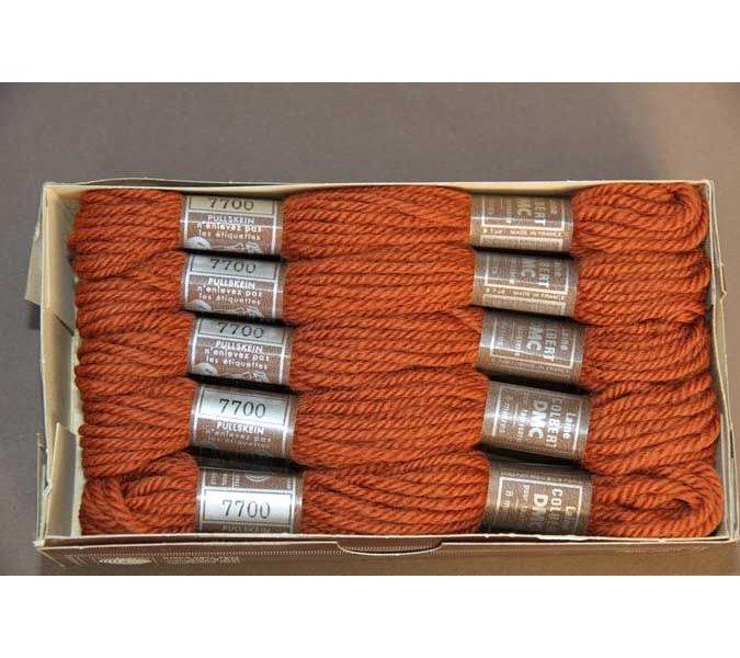 Echevette 8m n° 7700, ton brun, 100% pure laine Colbert DMC