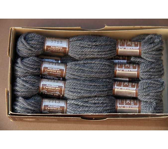 Echevette 8m  7713, ton gris foncé, 100% pure laine Colbert DMC