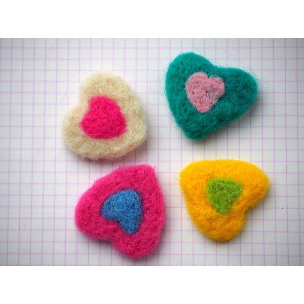 Ensemble 4 coeurs laine feutrée, idéal Saint-Valentin, 37x31mm