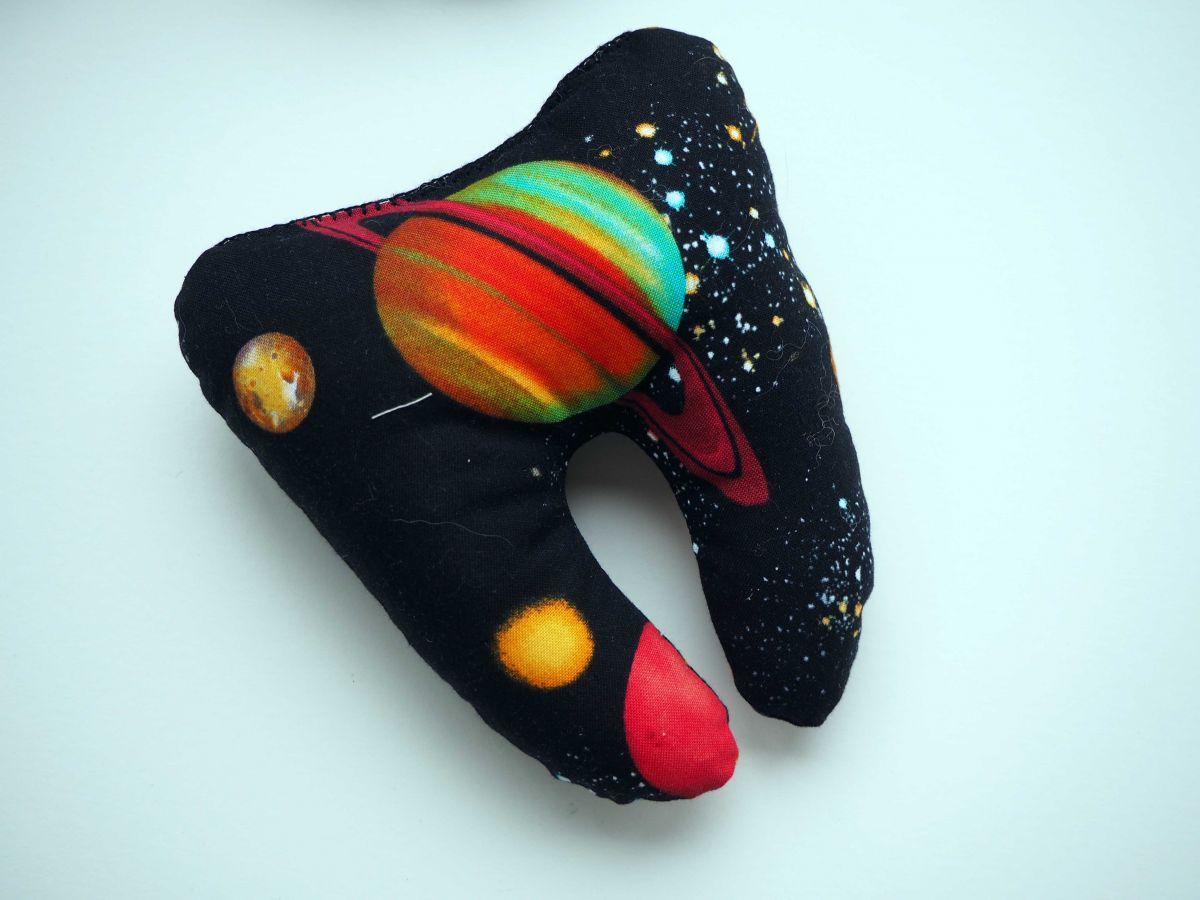 Grosse DENT tissu avec poche pour pièce, 12x13x5cm, motifs espace