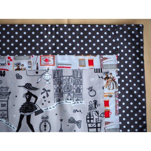 HOUSSE de coussin 46x41cm, parisienne fond taupe