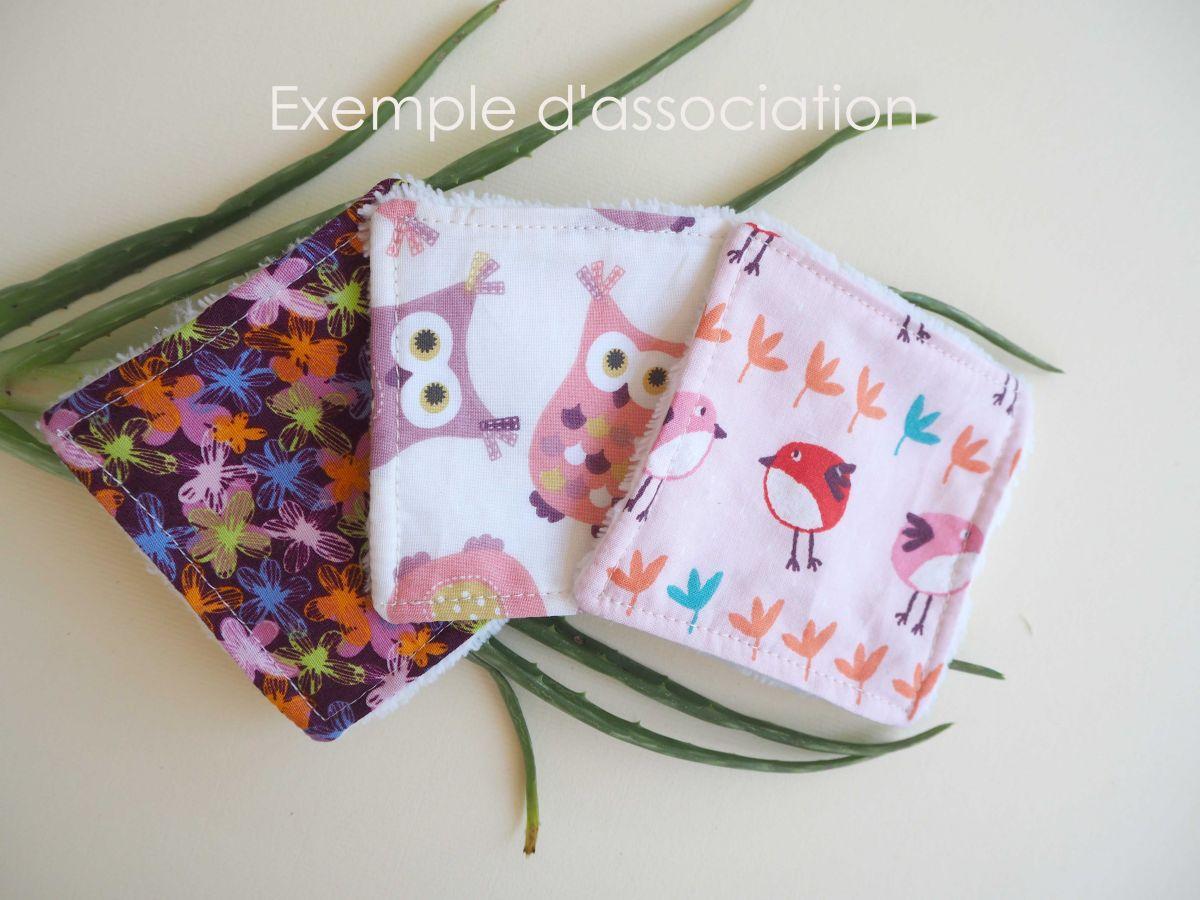 Lingette démaquillante lavable, tissu violet avec fleurs rose