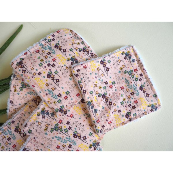 Lingette démaquillante lavable, tissu rose petites fleurs