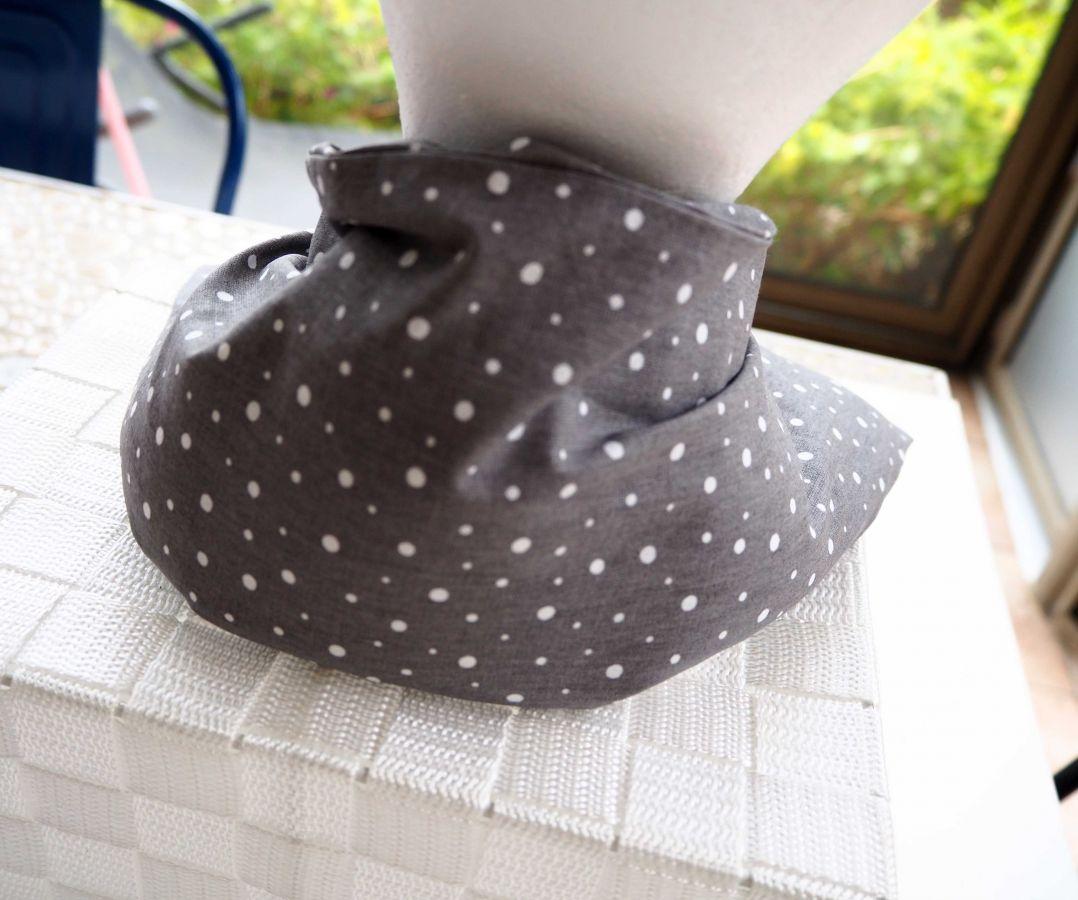 Longue Bouillotte séche pour cervicales, déhoussable, coton gris aves petits pois