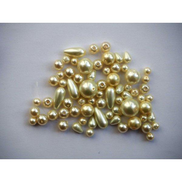 Lot 45/50  Perles verre recouvertes blanc nacré de grandeurs différentes