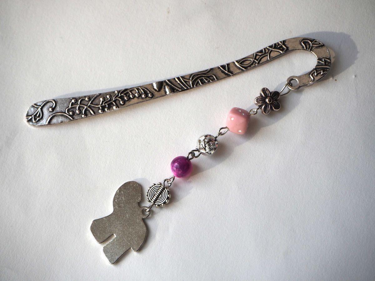 Marque-pages, argenté et ciselé avec éléphant émaillé rose, Fête