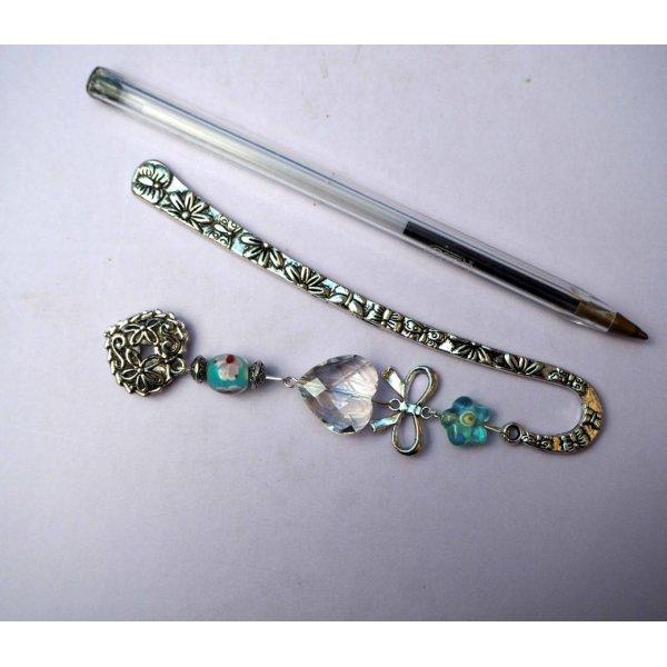 Marque-pages, argenté et ciselé avec coeur en cristal et coeur métal, Saint-Valentin