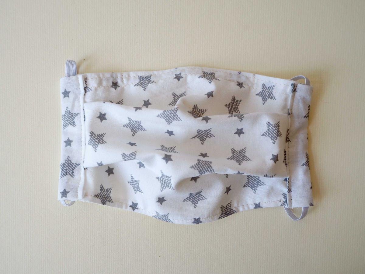 Masque 2 épaisseurs,pliage afnor, pince-nez, blanc étoiles grises