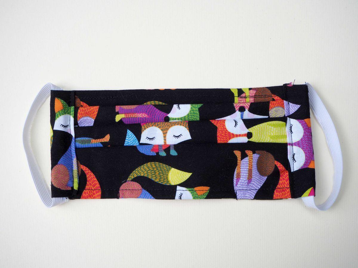 Masque en tissu , plissé, avec pince-nez et ouverture en bas, renards