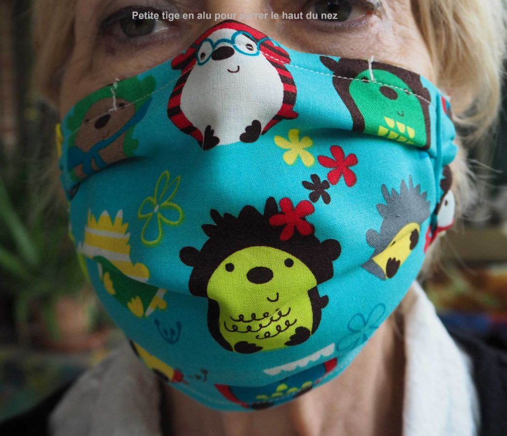Masque de protection , plissé, avec pince-nez, 3 épaisseurs, petits lapins