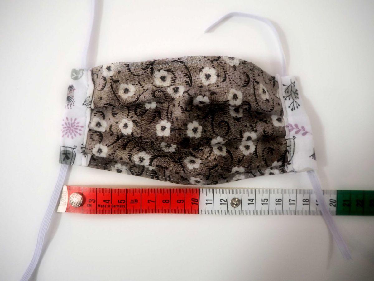 Masques enfants 3 épaisseurs, plissés, réversibles, ton gris/ blanc/noir