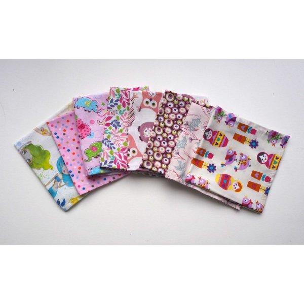 Petit mouchoir/serviette, coton , lavable, réutilisable, 27x27cm, rose poupées russes