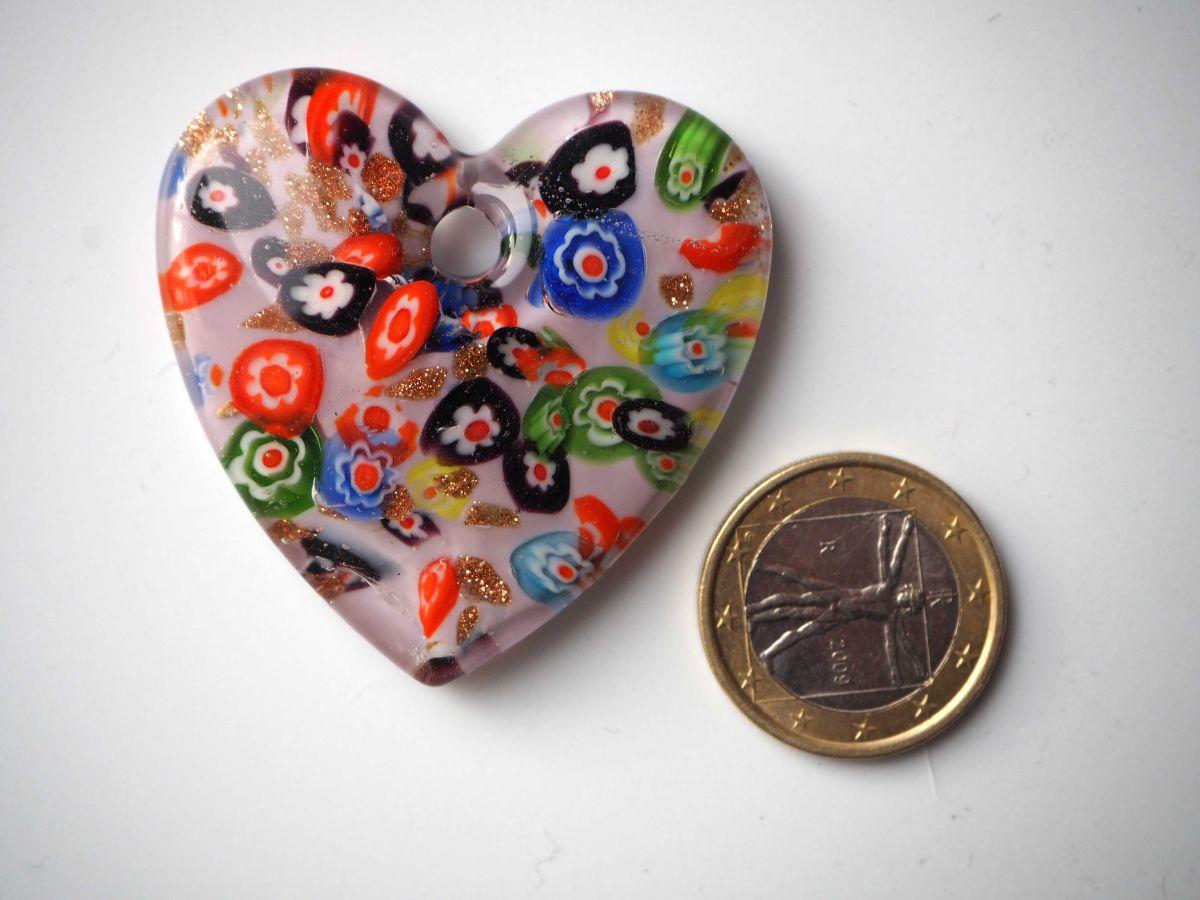 Pendentif, Gros coeur en verre avec millifiori, ton violine, 4,5x4,5cm, ép1cm