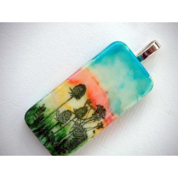 Pendentif domino, 5x2,5cm, peint à l'encre à l'alcool, modèle unique, tons rose et verts avec chardons