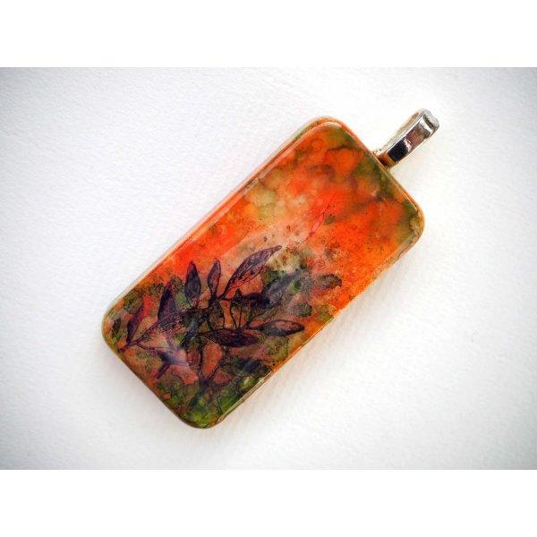 Pendentif domino, 5x2,5cm, peint à l'encre à l'alcool, modèle unique, paysage orangé avec herbes