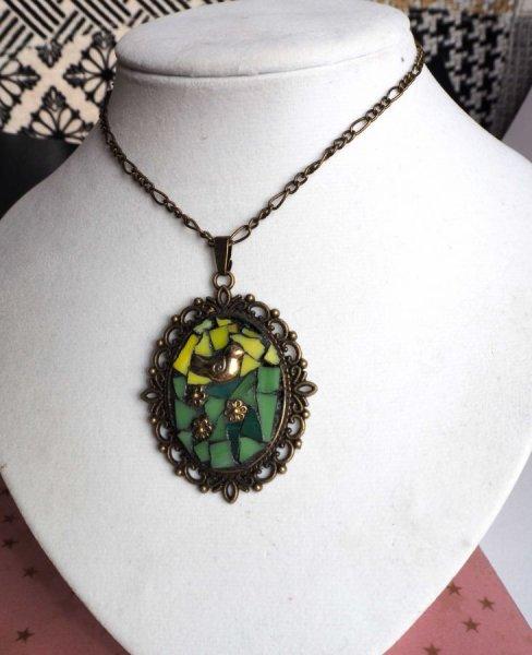 Pendentif mosaIque ovale rétro, 3x4cm, tons verts avec chaîne bronze