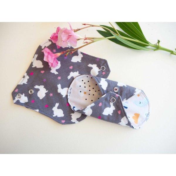 Protège slip lavable et réutilisable, flanelle et PUL, fanelle grise avec lapin ,PUL rosé