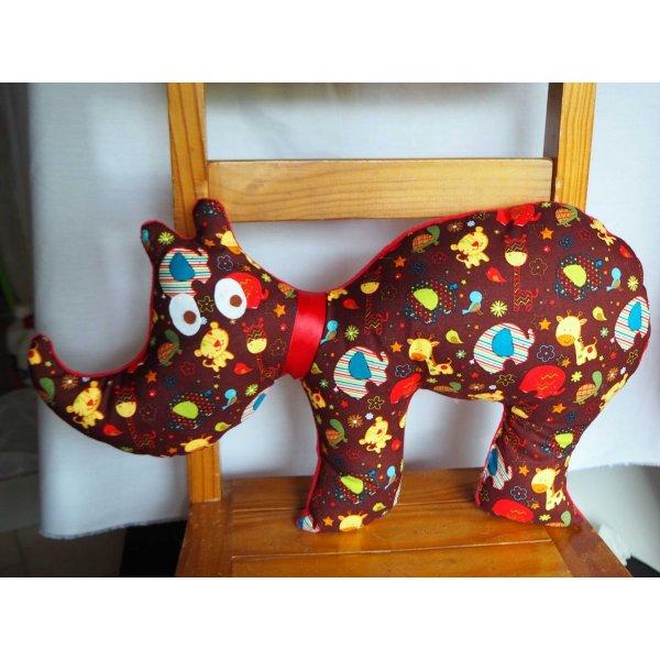 Rhinocéros, 58x33cm, tout doux, tissu blanc avec animaux rouges/verts/jaunes