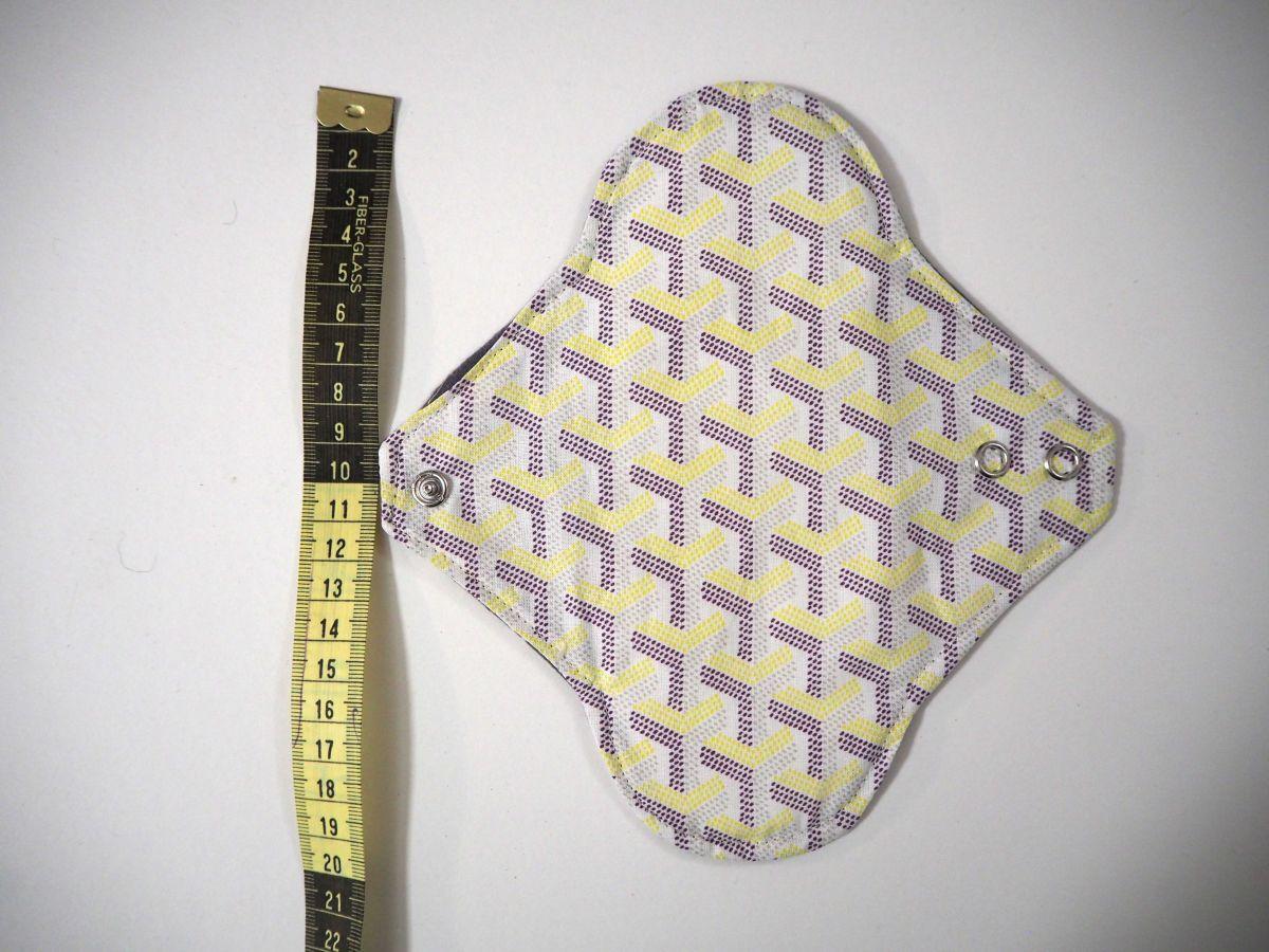 Serviette hygiènique lavable T1, ours gris, coton jaune violet clair