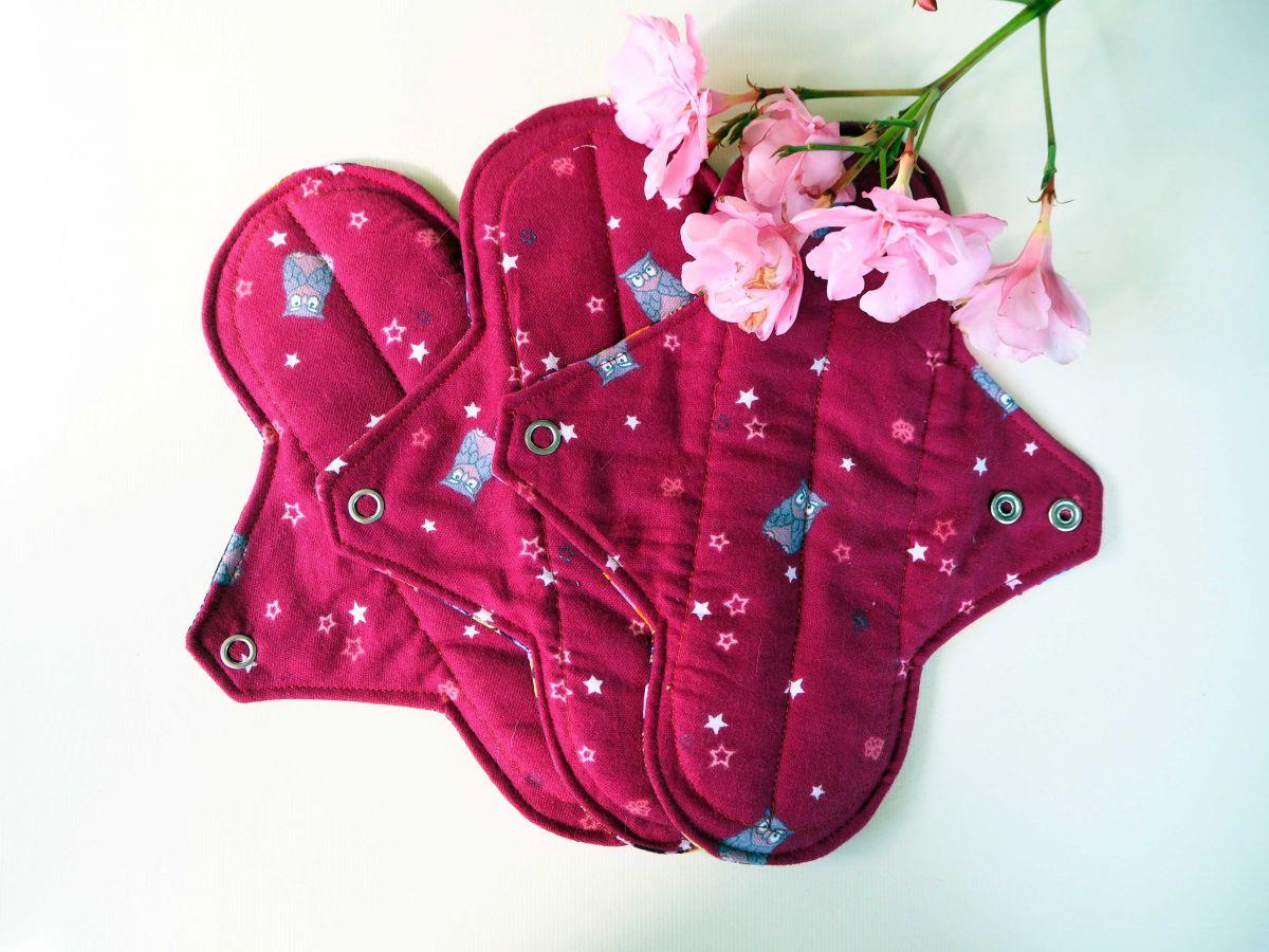 Serviette hygiénique T2 eponge 2 épaisseurs, lavable, rouge avec chouettes